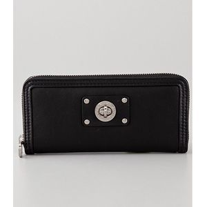 Marc by Marc Jacobs Black Totally Turnlock Wallet!